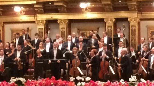 Silvesterkonzert Tonkünstler-Orchester - Dirigent: A. Eschwe`